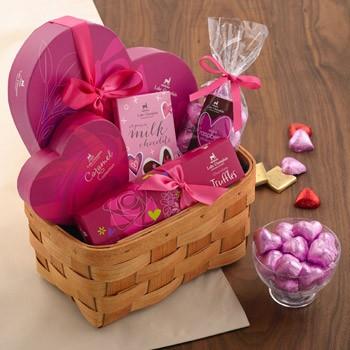 chocolate-valentine-gift-basket_1