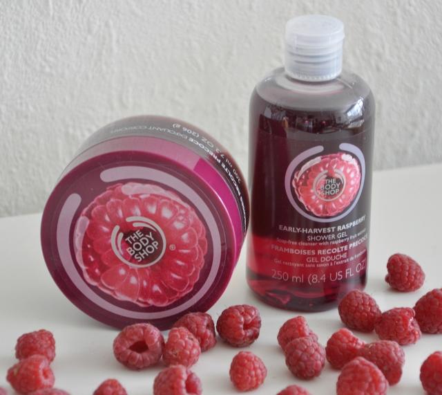 The Body Shop raspberry scrub 2
